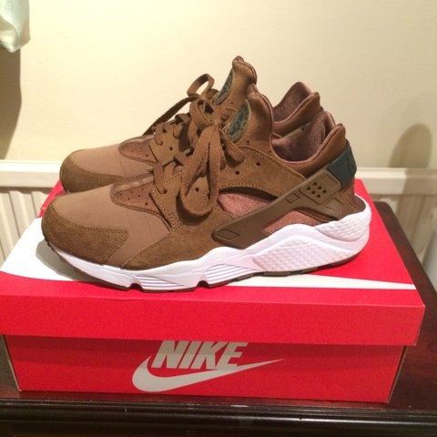 competitive price 1efad fdb41  alicook89. 4 years ago. Derby, Derby, UK. NIKE HUARACHE UMBER BROWN ...