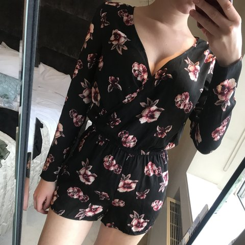 cc28b8f5f4 H M floral playsuit 🌸 great condition
