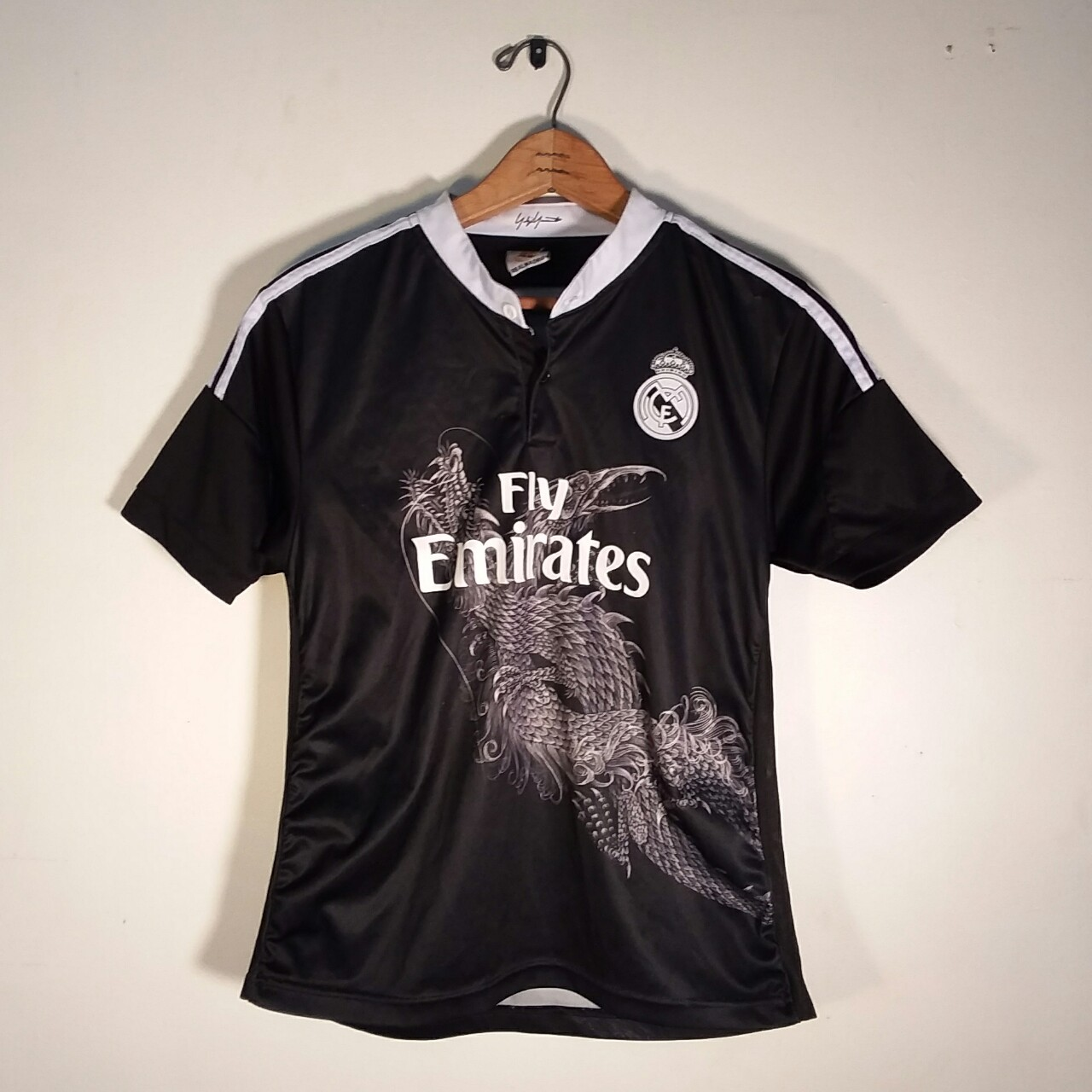 new style 6d962 37a48 Fly Emirates soccer Ronaldo jersey. In good... - Depop