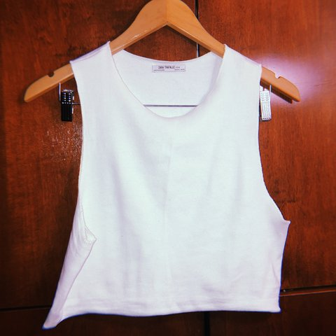 93f2f0410375ee Zara White Ribbed Tank Crop Top ✨ Worn once under a then of - Depop