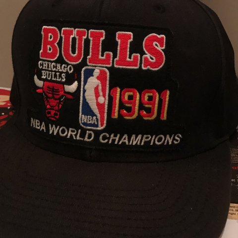 abec69147e8 Mitchell   Ness 91  Chicago Bulls Championship Adjustable w  - Depop