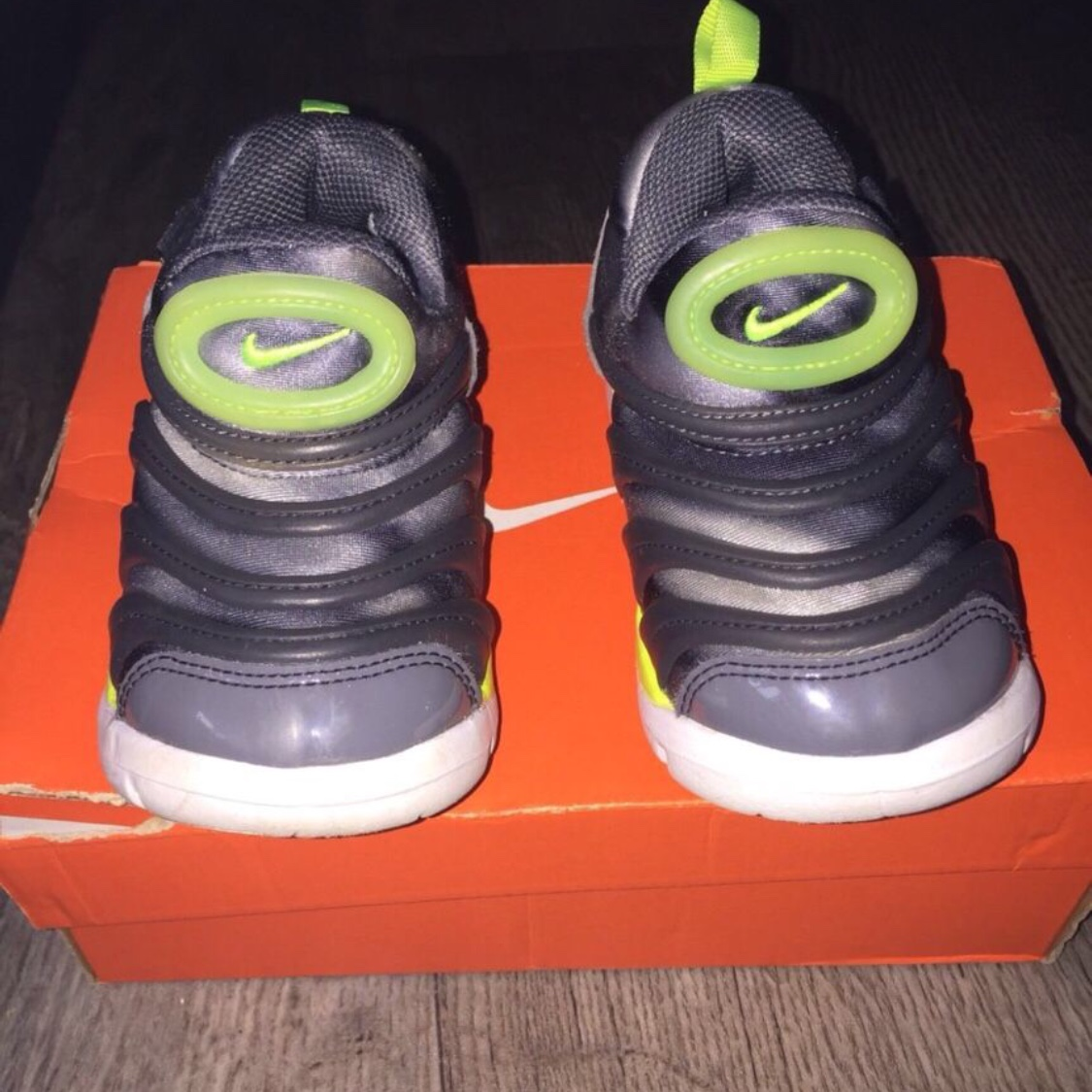 Kids nike dynamo free trainers, excellent condition Depop
