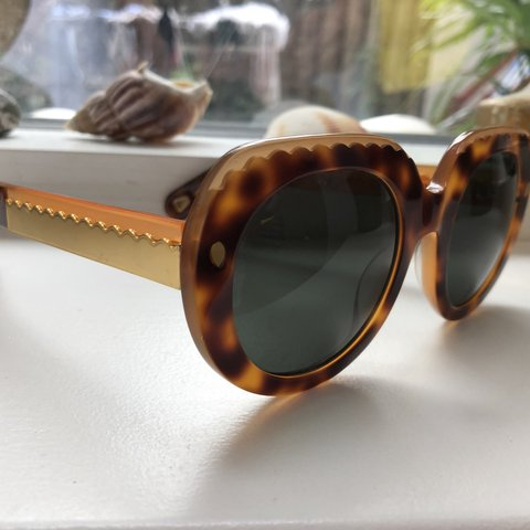 9b70da48cde Lucy Folk 70 s inspired sunglasses with gold detailing on - Depop