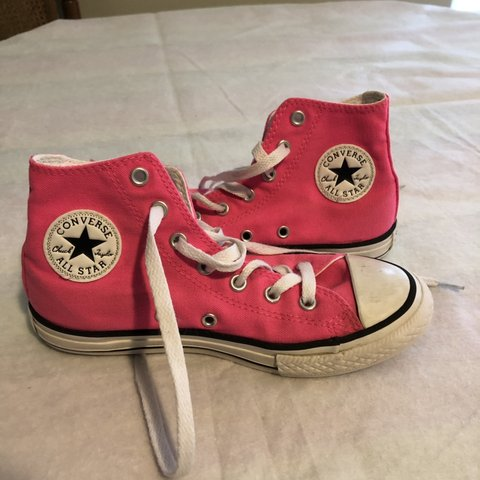 6b9502119e755b Hot pink converse chuck Taylor all star high tops in still a - Depop