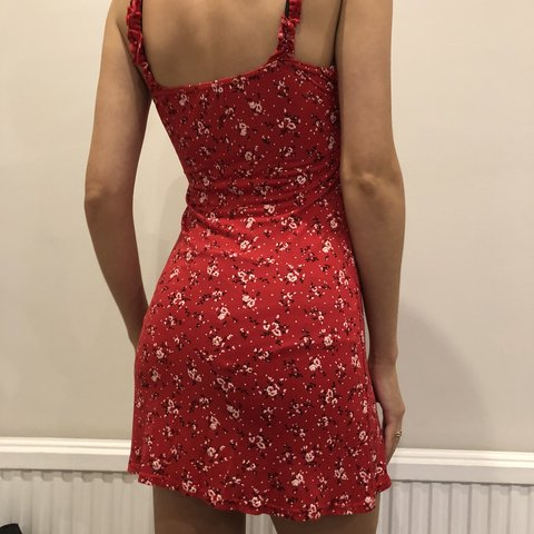 75c5eaddc63 Pretty Little Thing red floral print frill detail shift in a - Depop