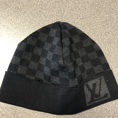 f8cdf2deee9d2 Authentic Louis Vuitton Men s Hat. Gently used