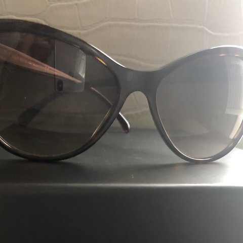 39340fb3b956 @ez1231. 8 months ago. Old Bridge, United States. Authentic Chanel Women's Sunglasses  Gently Used In ...