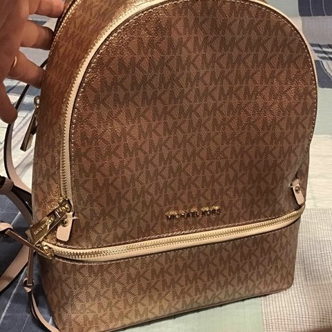 f40078927e24 @riarooney. last month. United States. New Without Tags Michael Kors Rose  Gold Saffiano Leather ...