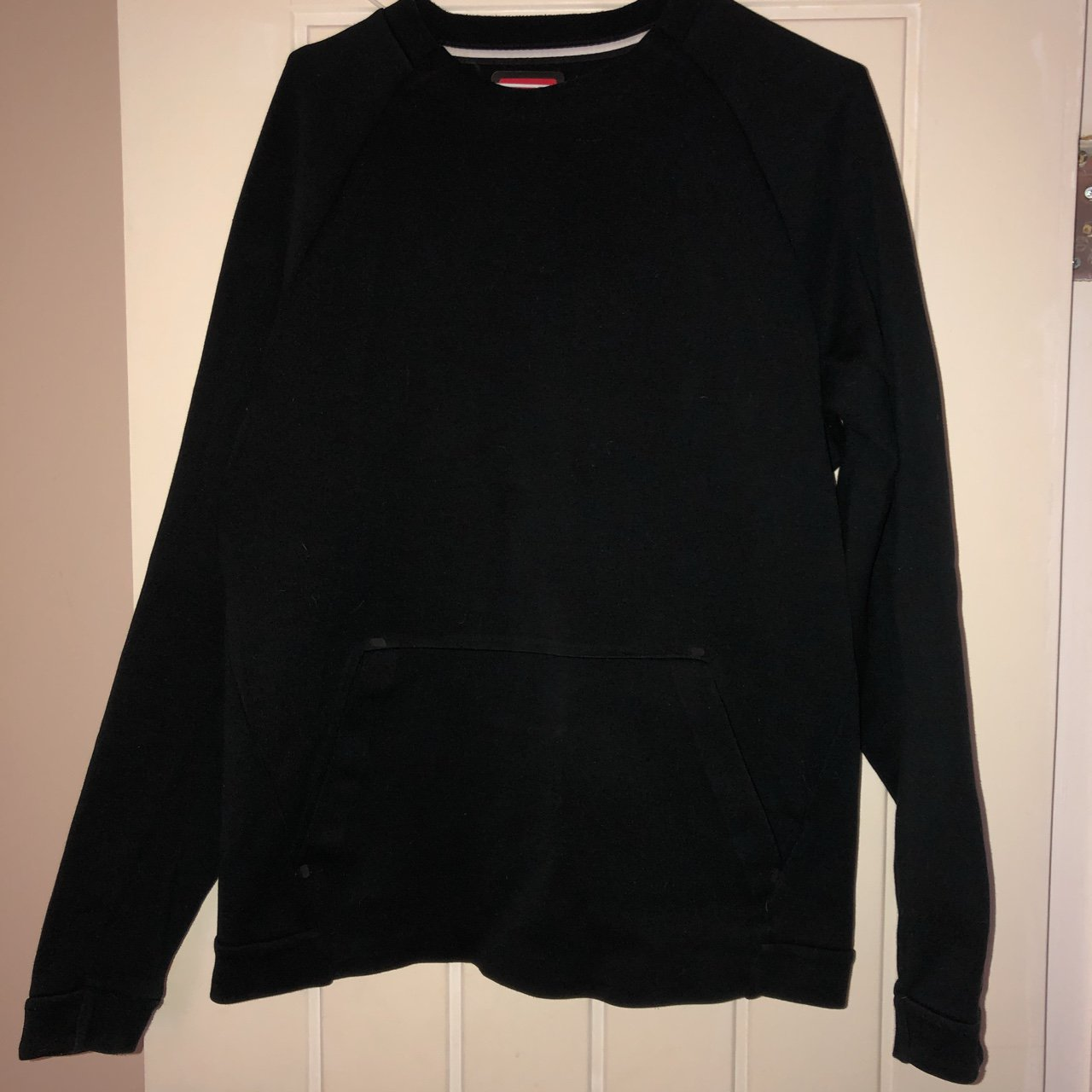 c59e4ae8a405 Plain black Nike Sweater   jumper Worn once Men s Size - Depop