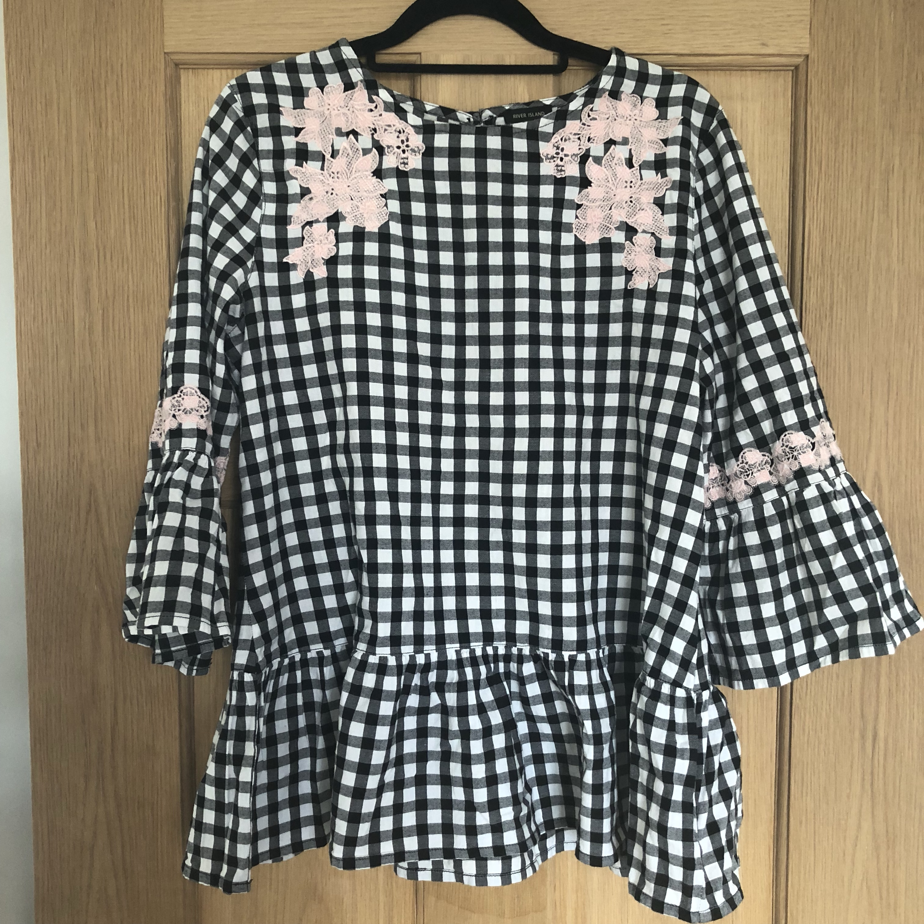 4c97cc49ad5 River Island black/white gingham smock top with... - Depop