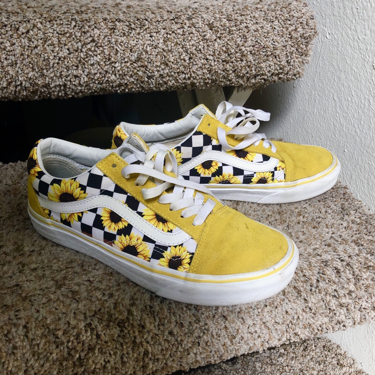 Get - sunflower and checkered vans