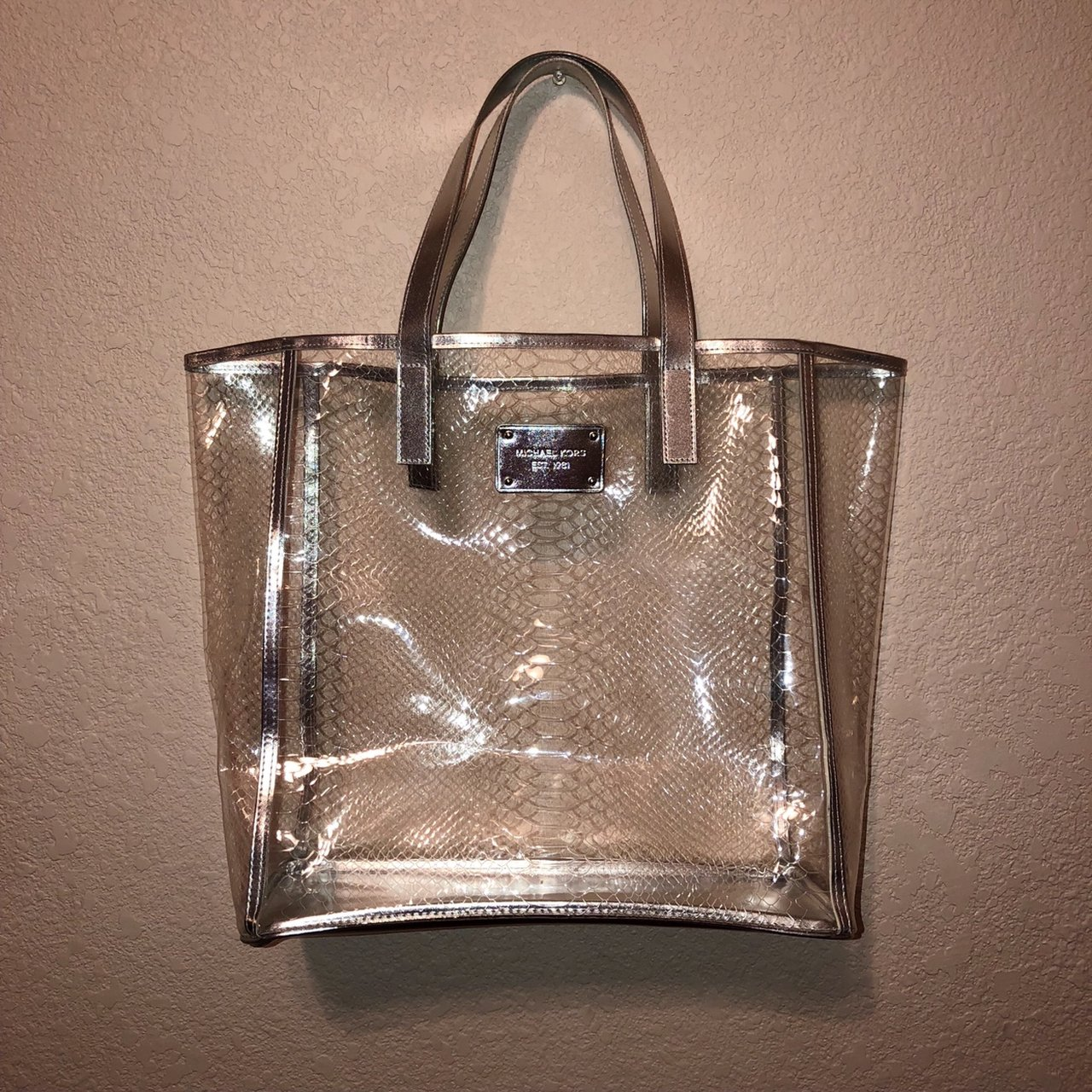 46cdb6ed5028d9 @helloreyez. 8 months ago. United States. MICHAEL KORS CLEAR BAG, SILVER  TRIM * LIMITED EDITION!