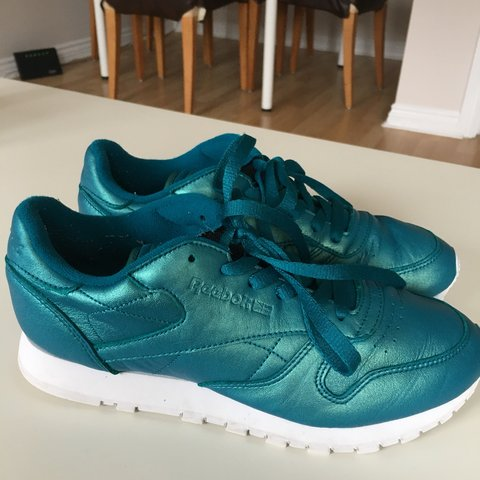 09d53ae53ff Classic leather blue   green pearlised Reebok trainers