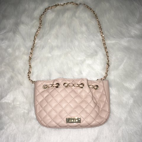 d45faefedbe  rosegoldtrading. 3 months ago. United States. bebe Chelsea Crossbody Bag  in Warm Taupe Quilted Faux Leather with Gold Chain strap!
