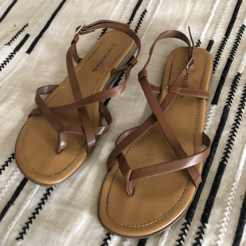 de17808feab75f Super cute strappy sandals 😍 A bit of wear into them but in - Depop