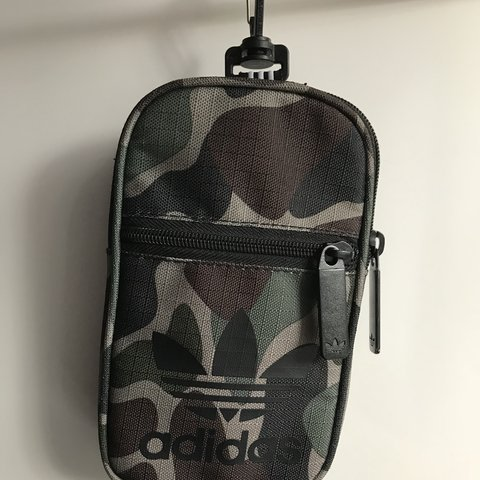 66ab125713 @zrobotis. 4 months ago. Nunawading, Australia. Adidas originals small  festival bag barely used in great condition