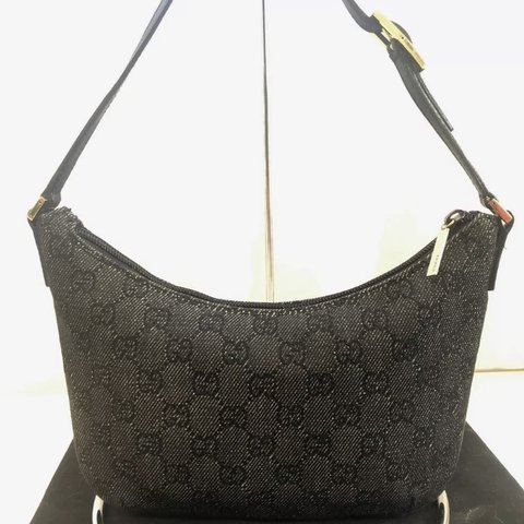bc6dae3a9065 @andreamichelle0022. 2 months ago. Holly Springs, United States. Authentic  small Gucci shoulder bag!