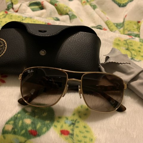 d8f9d0fa4e Pre-owned Authentic Ray-Ban sunglasses  sunglasses  rayban a - Depop