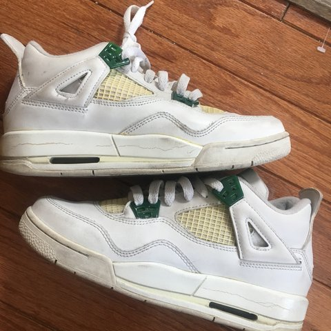 8923b20c9026b6 Nike Air Jordan 4 GS Size 5.5 White  Chrome Classic Green - Depop