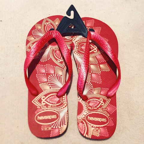 36ac3540a Brand new Havaianas flip flops in lovely red pattern. Size - Depop