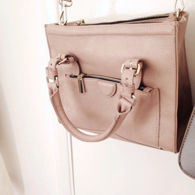 bf81677284f @ella972. 5 years ago. Reading, United Kingdom. Dusky light pink/nude zara  mini city bag • cross body ...