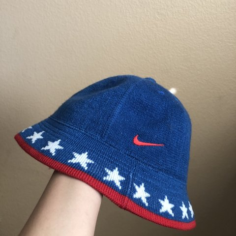 28ec4195bc16a9 NIKE SIXERS BUCKET HAT ✓ Would look super dope on men and - Depop