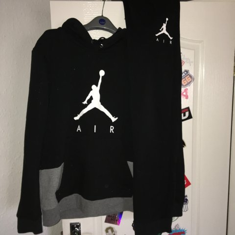 7c6da77dcd611e Men s black grey and white Nike air Jordan tracksuit with no - Depop