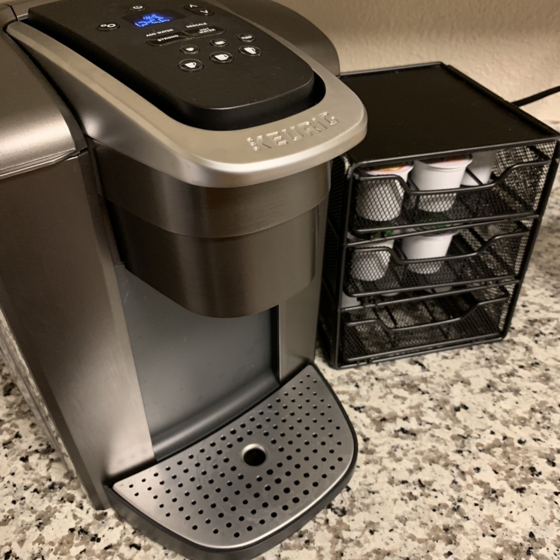 Keurig K-Elite Single Serve coffee maker  No box but    - Depop