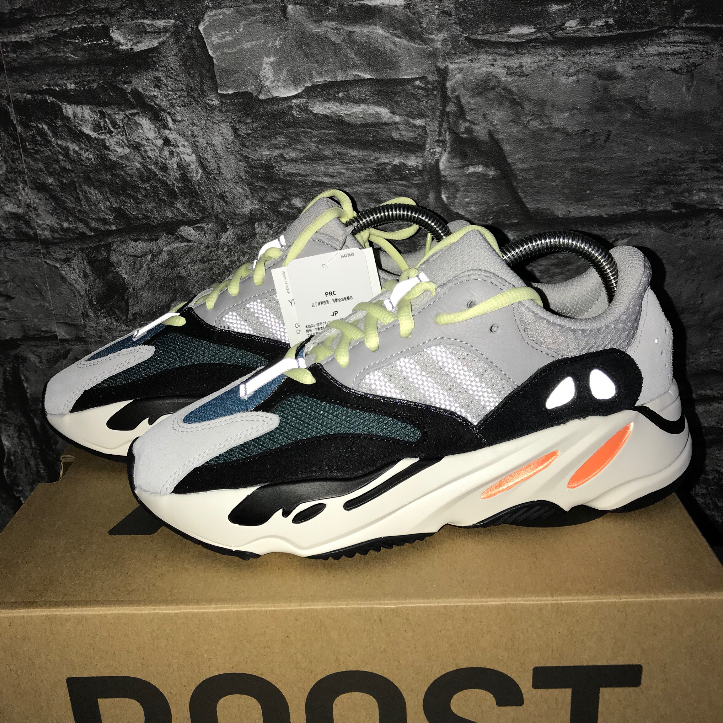 Yeezy Boost 700 Wave Runners Size UK 6