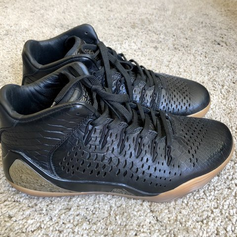 11d1ff515dc  75 →  60 Message me if you have an offer Nike Kobe 9 mid QS - Depop