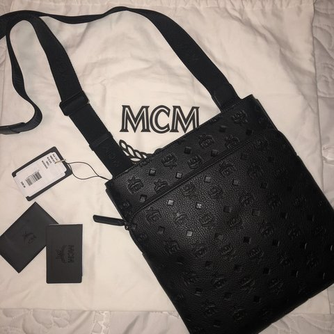 🖤✨AUTHENTIC MCM MESSENGER BAG✨🖤 🚨❗️REDUCED all black side - Depop 01c6a35742e8e