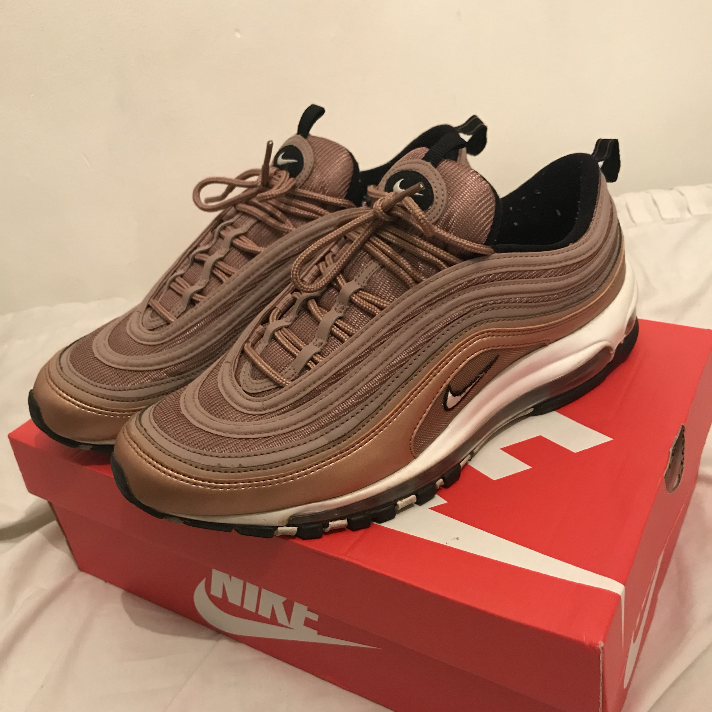 purchase cheap 0044f 1ba41 Nike Air Max 97 OG Gold UK9 Good condition Feel... - Depop