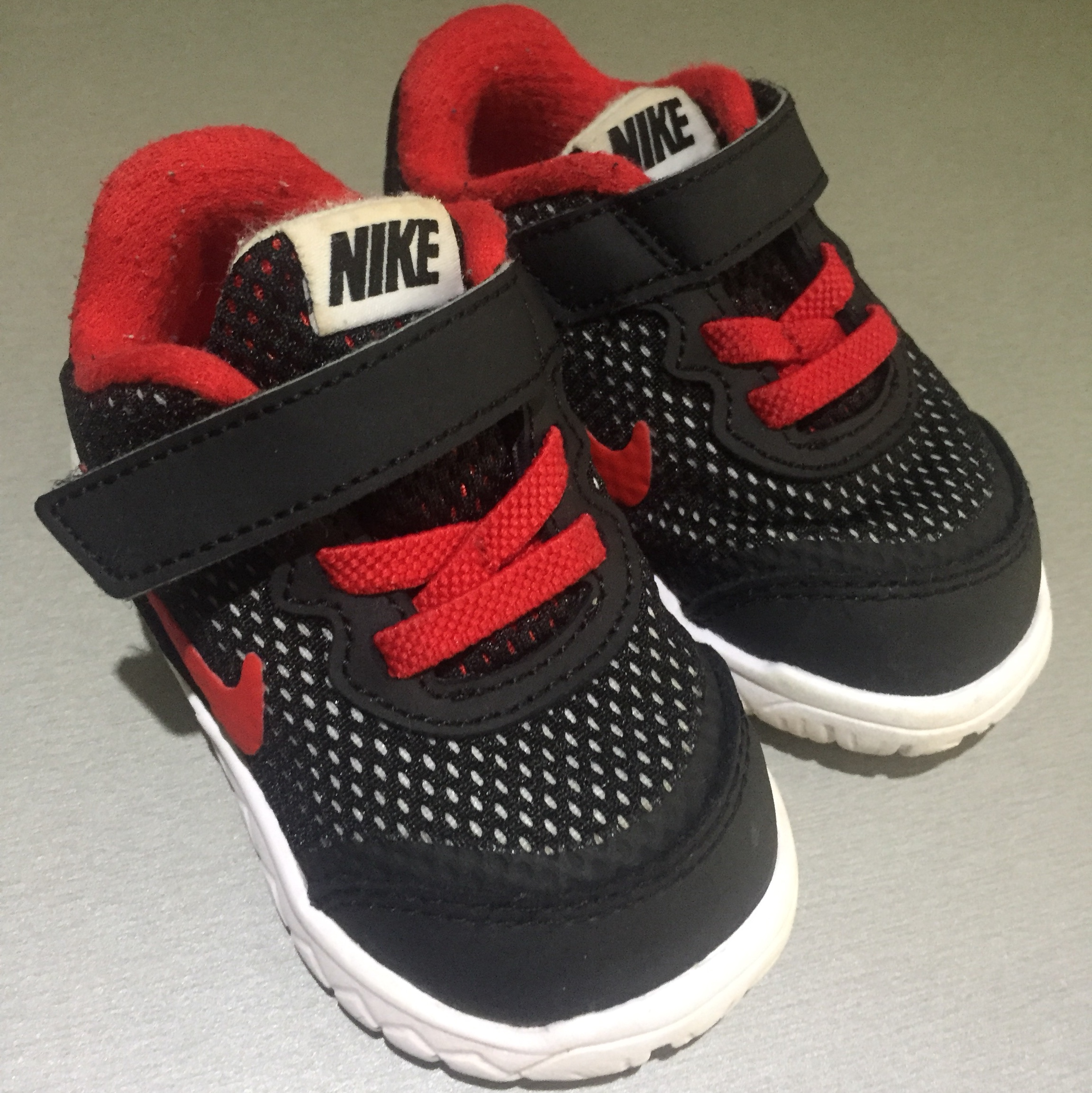 Baby Nike trainers Infant size 3.5 - Depop
