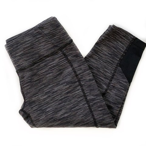 ff2369382b @hnylin. last month. Puyallup, United States. FREE SHIPPING! Lucy Powermax  Cropped Leggings Size small.