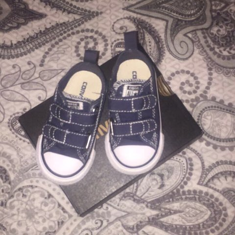 8ba1fbfb7bbd Boys converse size 5 worn once in excellent condition come a - Depop