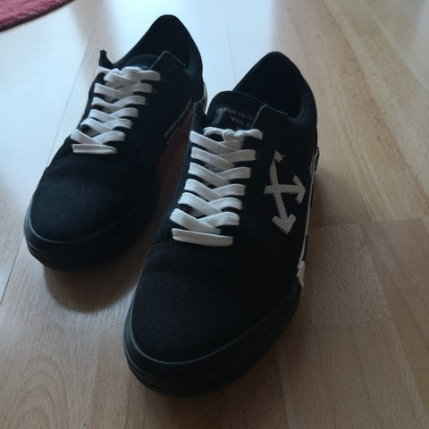 7e3a72265163 WTS WTT  Off White Vulc low TOP black EU 42 Cond. with Tag