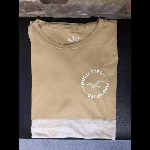 295b5a40 Hollister Two Tone T-Shirt Beige/Cream. Great condition - - Depop