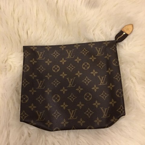 173775a92e9e Authentic Louis Vuitton toiletry pouch 26. Can be used as a - Depop