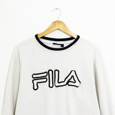 853904fe38b74 @waveydais. 3 years ago. Bracknell, Bracknell Forest, UK. Retro 90's Fila  sweater in white with navy logo | size men's XL but ...