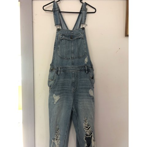 75d68cfee839 LEE OVERALLS ❄ barely ever worn - great condition princess - Depop