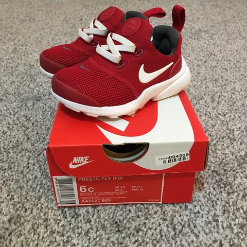 e8021143b9d97a Red infant   toddler Nike Presto fly Size uk 5.5 Perfect - Depop