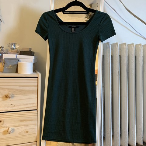 ca482c82bb0b dark green forever 21 tight t-shirt dress. size XS. - Depop