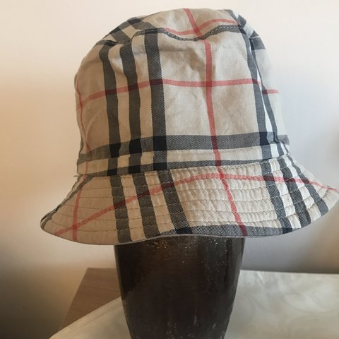 fe9e9af3a20093 @berrybloom. 4 months ago. Aberdeen, United Kingdom. Authentic Burberry  bucket hat reversible