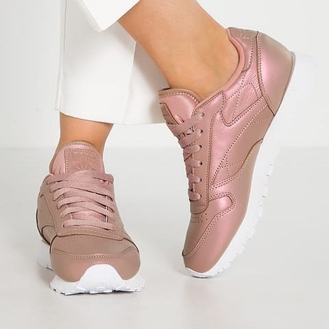 fead02b8af6 Reebok classic leather rose gold pearl pearlised trainers 5 - Depop