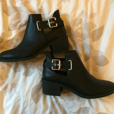 266561739b0c @lottiehoare. 4 years ago. Maidenhead, United Kingdom. BRAND NEW size 5  black faux leather cutout flat heel ankle boots ...