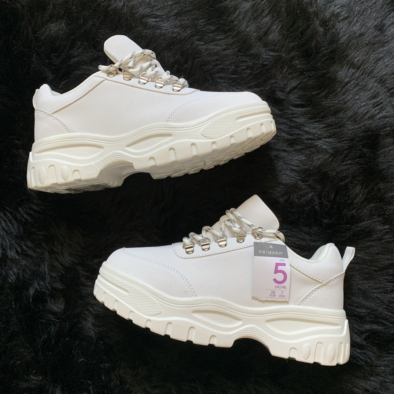 uk size 5 chunky white trainers - Depop