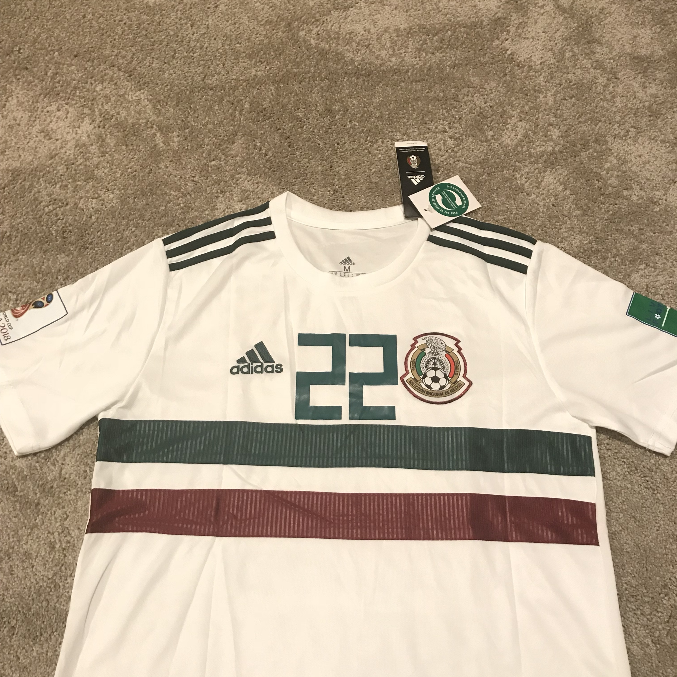 buy popular 7b5b5 52f8c Hirving Lozano Mexico World Cup White Jersey New... - Depop