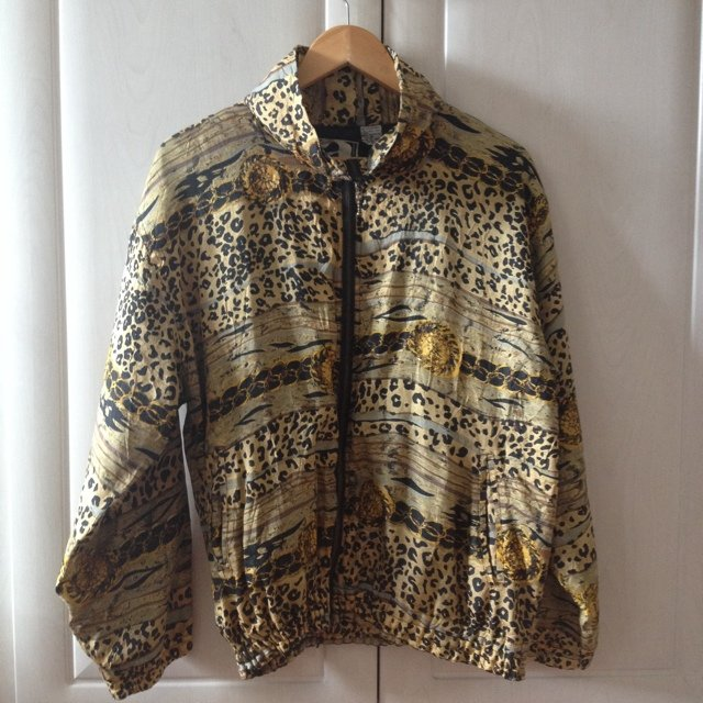 64994e4d1 Listed on Depop by lunaneave
