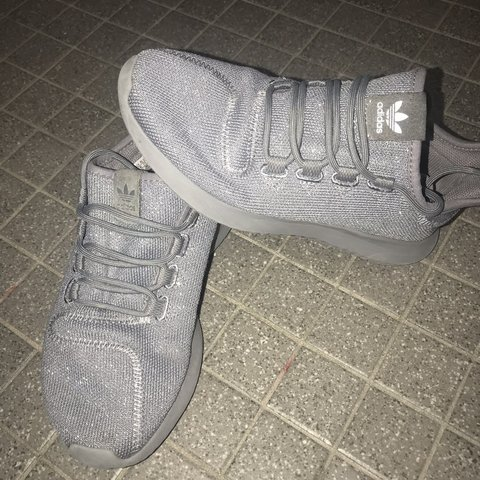 new product 81fb9 ee134 Gray Adidas sneakers! Size 4- 0