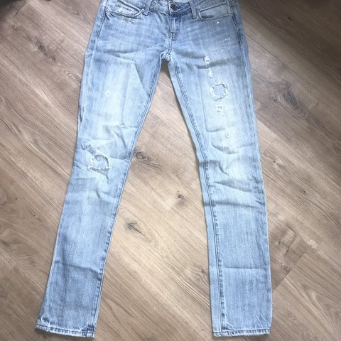0b199de122a @veronicasstore. in 7 hours. New York, United States. AMERICAN EAGLE  distressed light blue denim jeans. In great condition